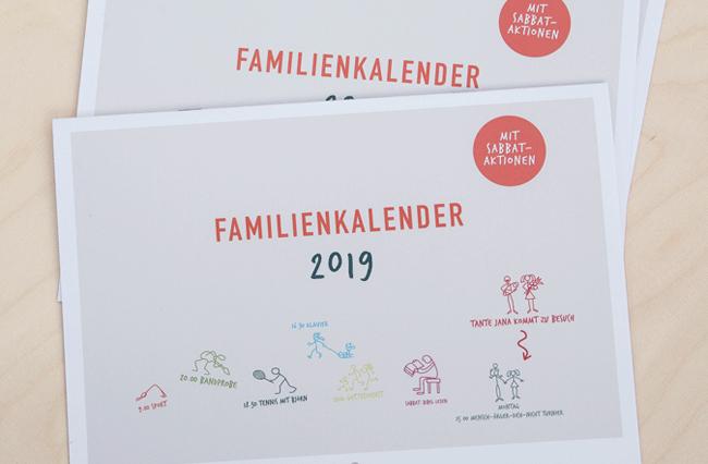 Monoflosse gestaltet den neuen Familienkalender des Advent Verlages